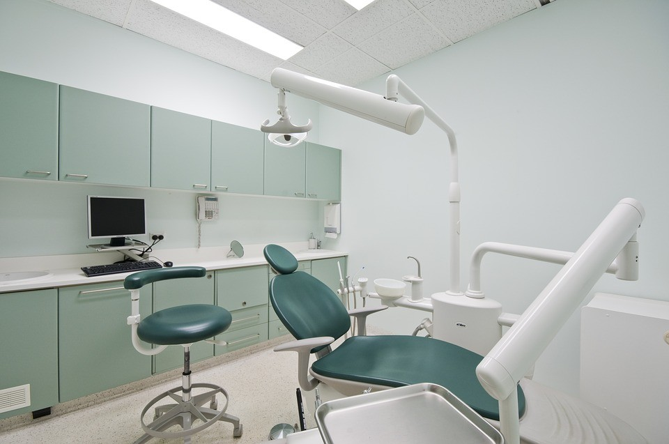 Kiedy należy wybrać się do ortodonty?